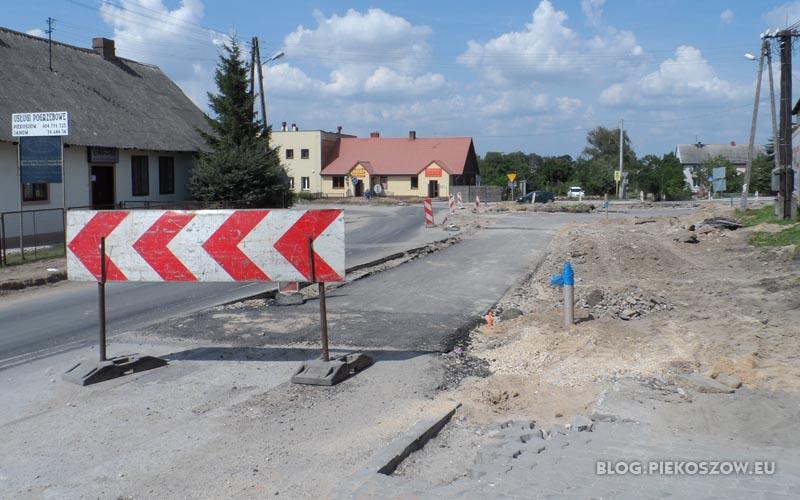 Od dwóch tygodni nic się nie dzieje na budowie ronda koło kościoła