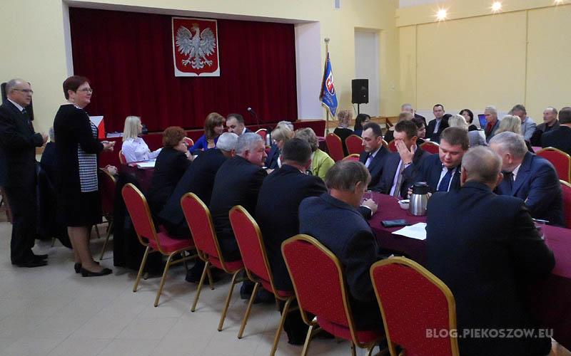Pierwsza sesja rady gminy Piekoszow 20 listopada 2013