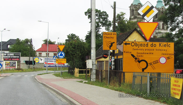 2016-07-13 zamkniety przejazd kolejowy na drodze wojewodzkiej nr 761